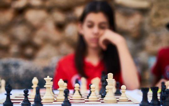 Dlaczego warto, aby dziecko grało w szachy?