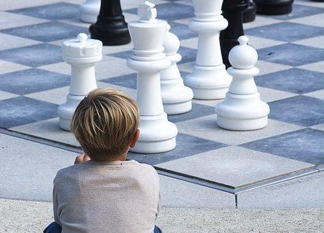 Turnieje szachowe dla dzieci, jak wyglądają? Rywalizacja i emocje sportowe u najmłodszych?
