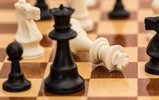 Szachy dla dzieci w Warszawie, miejsca, kluby, sztuka... gdy Twoje dziecko lubi szachy