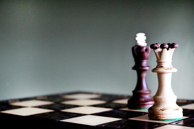 Pionki na planszy szachów
